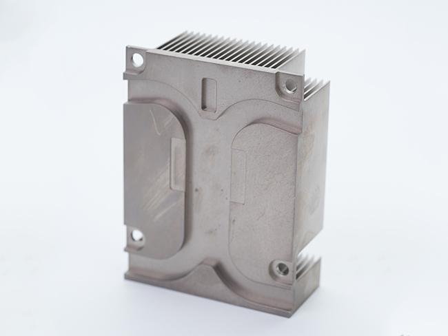 散热器精密部件