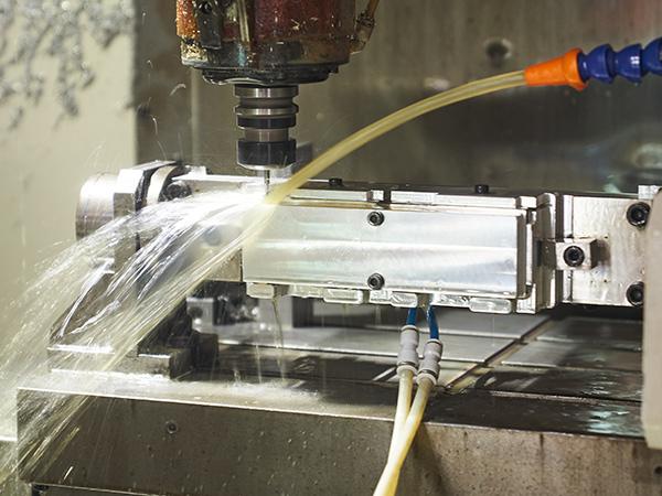 鸿沣机械浅析高速CNC加工的配置要求