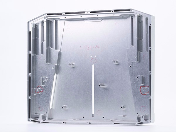 鸿沣机械来告诉您薄铝CNC加工车间注意的问题点